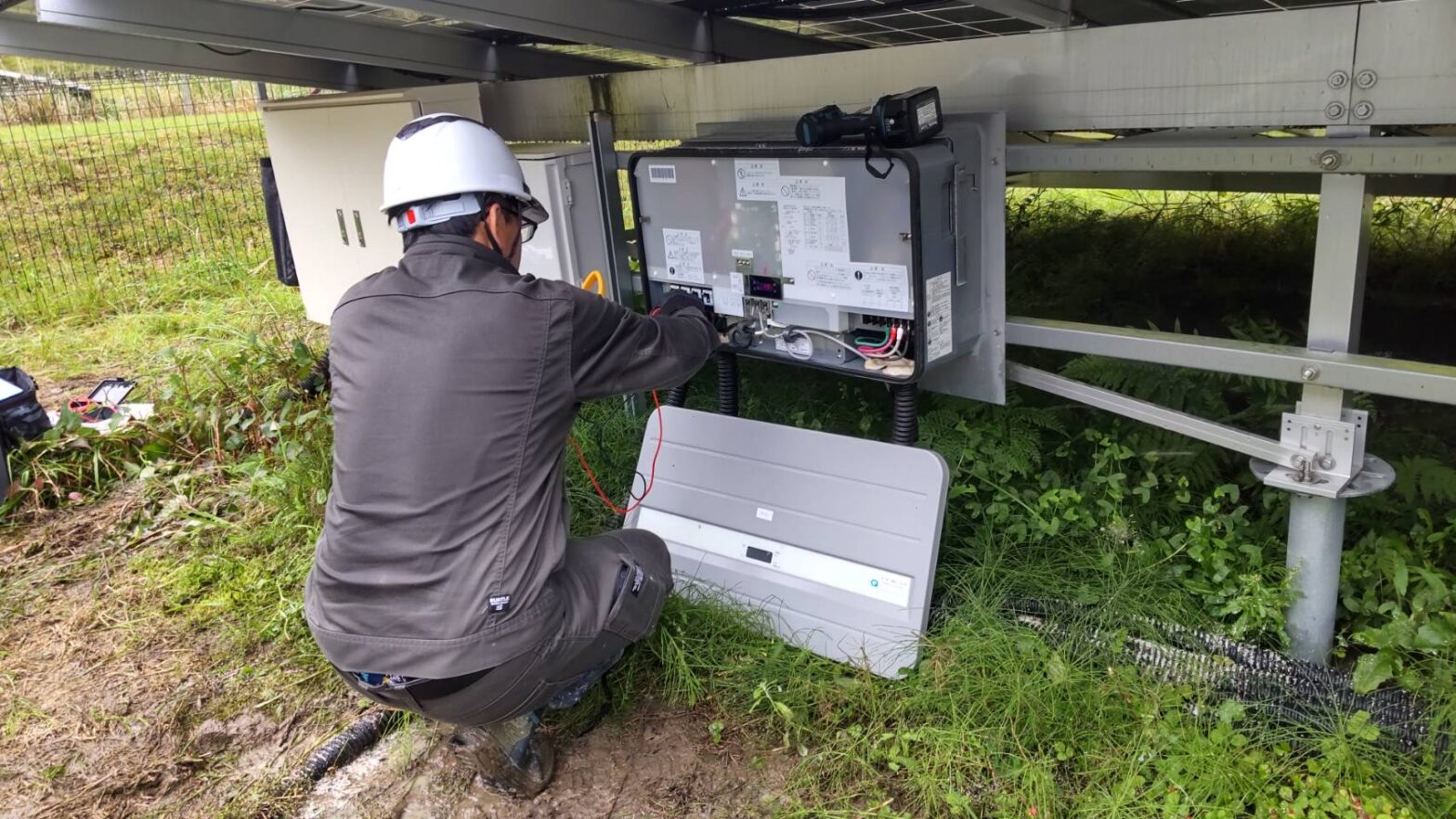 多気郡明和町太陽光発電所保守点検