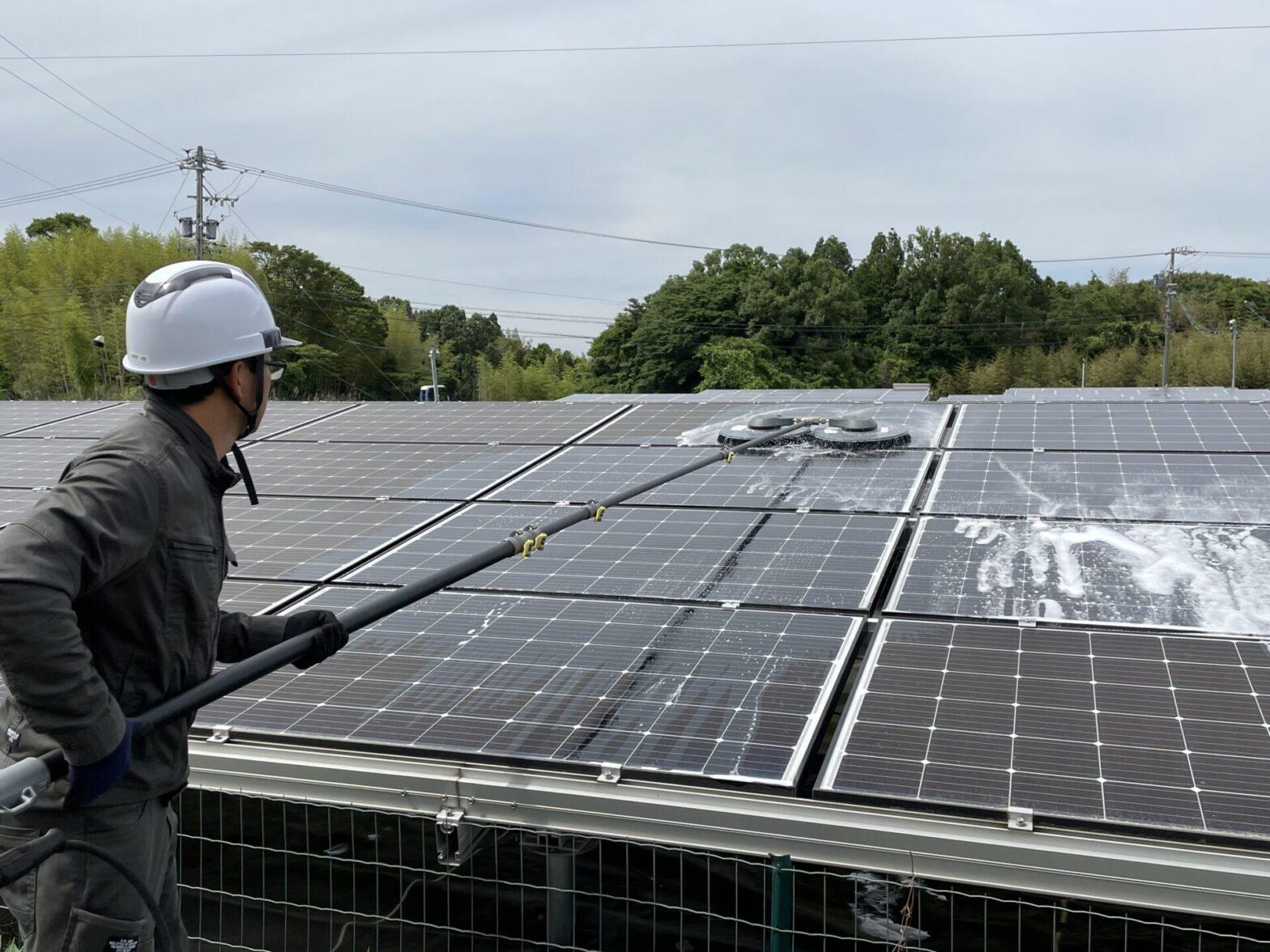 三重県四日市市太陽光発電所パネル洗浄