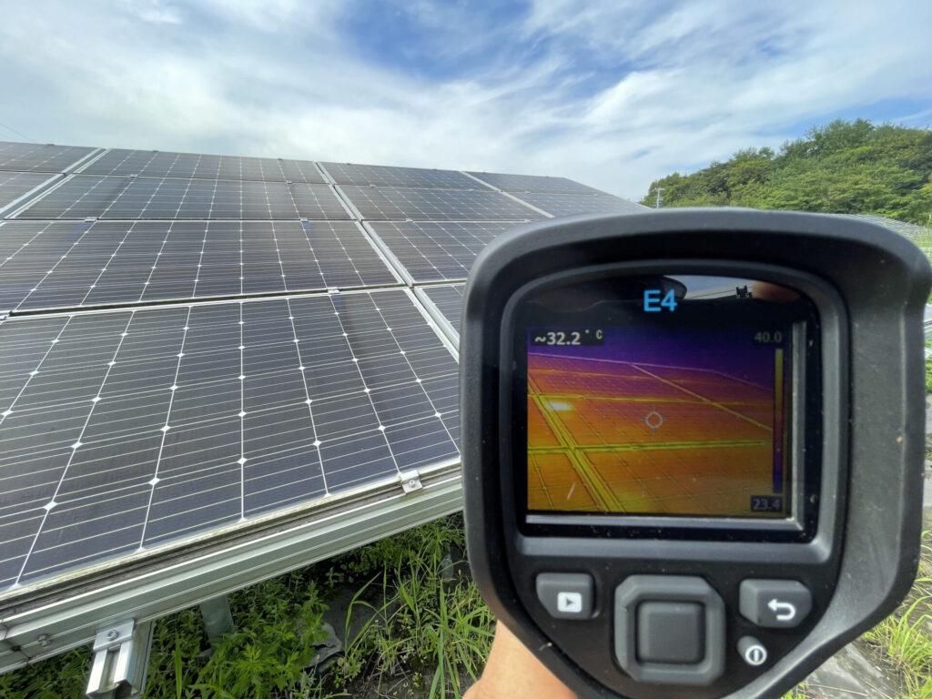 三重県多気郡明和町太陽光発電所除草作業