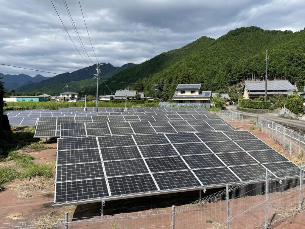 三重県北牟婁郡紀北町太陽光発電所除草作業